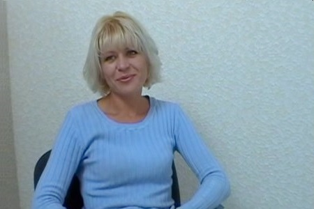 Cute mature blonde fucks young on casting.